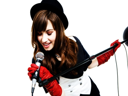 Demi Red Gloves